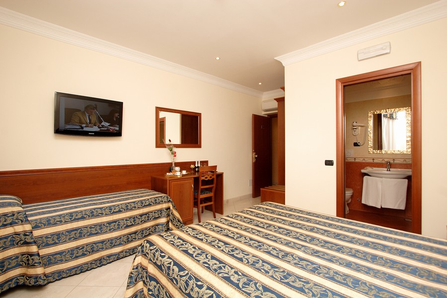 Galaxy Suite Roma